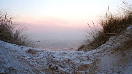 1431744110572-frosty-dunes-2