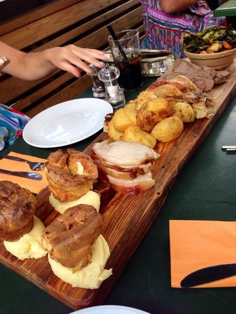 sunday-roast-platter